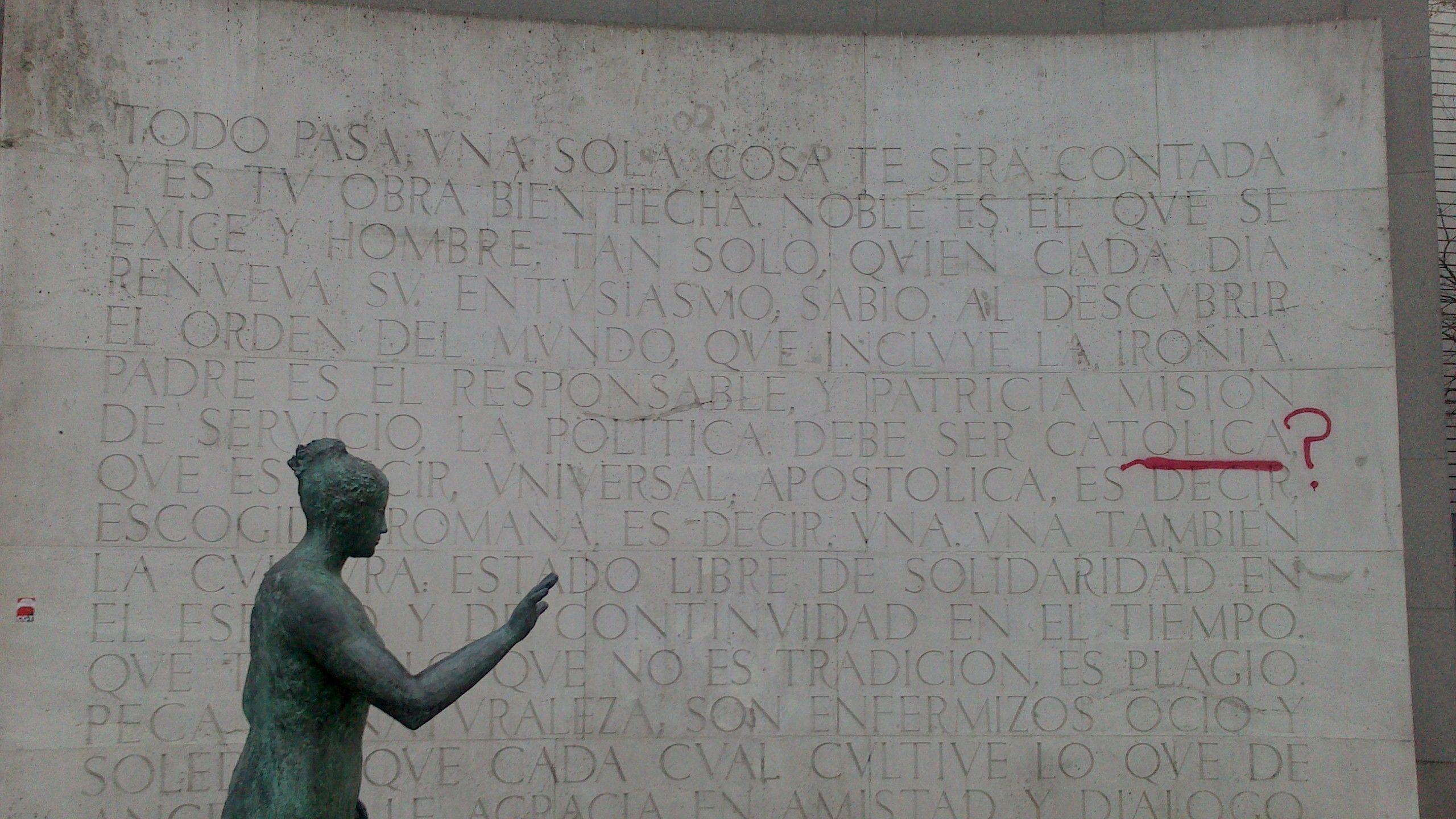 Vandalismo en el monumento a Eugenio D'Ors