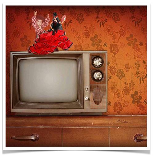 muñeca flamenca sobre televisión