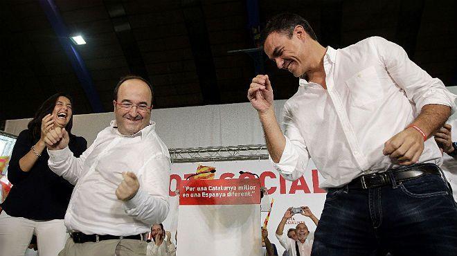 Pedro Sanchez y Miquel Iceta bailan