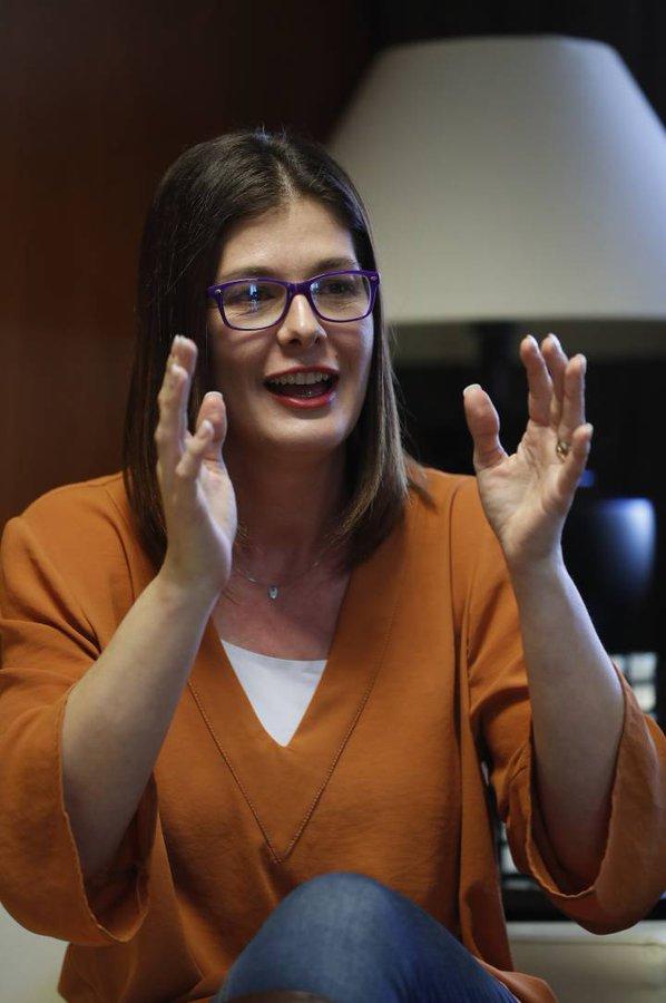 La alcaldesa de Móstoles (PSOE), Noelia Posse contrata a su hermana y asciende a su tío