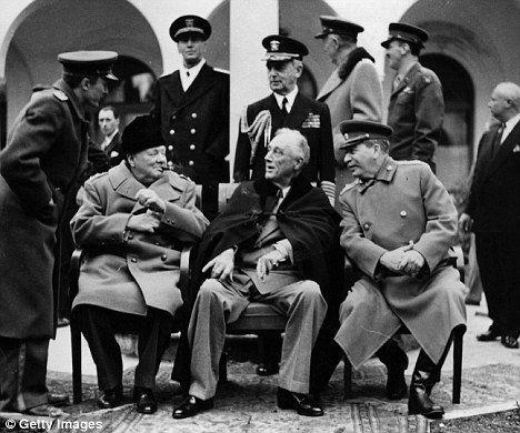 Stalin,  Winston Churchill y el Presidente Roosevelt en la Conferencia de Yalta en 1945