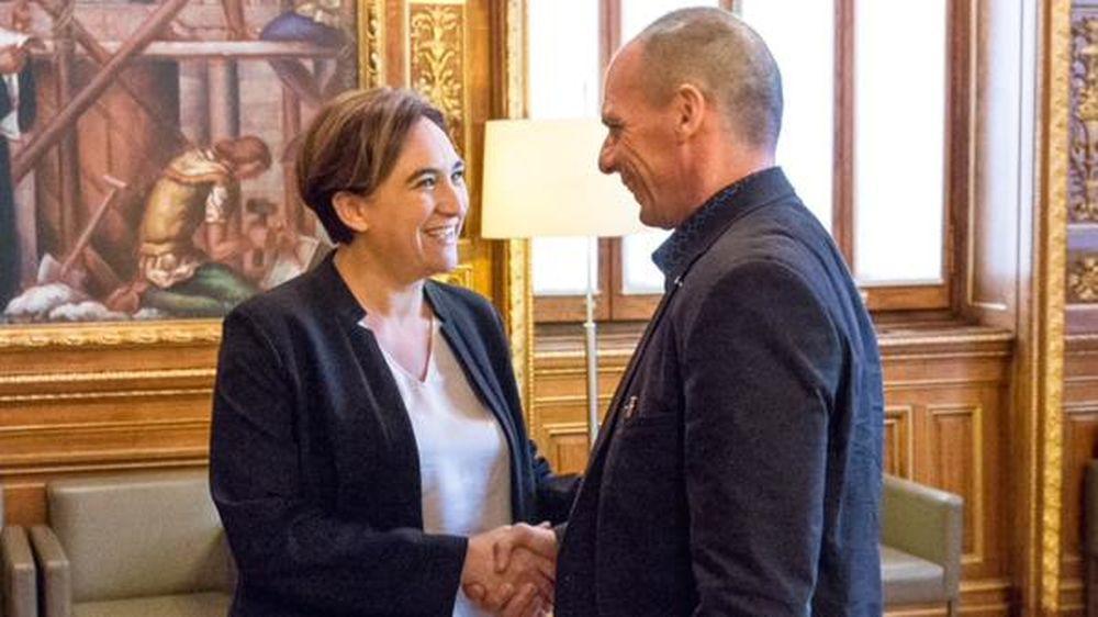 Varoufakis y Colau
