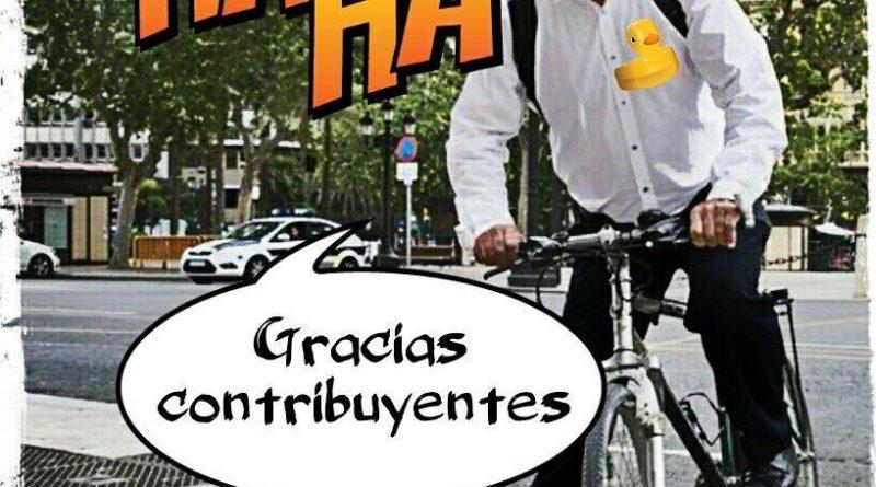 Cuando lo miras va en bicicleta. Cuando no, cuela al ayuntamiento facturas por viajes privados