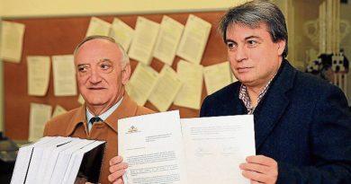 policarpo-sc3a1nchez-envc3ada-24-000-firmas-que-exigen-la-devolucic3b3n-del-archivo