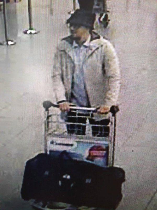 la Policía belga le busca como sospechoso de los atentados