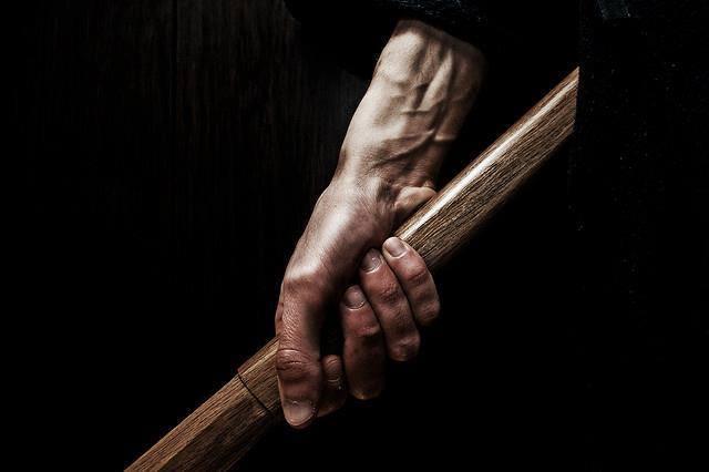un-valiente-muere-tan-solo-una-vez-un-cobarde-muere-incontables-veces