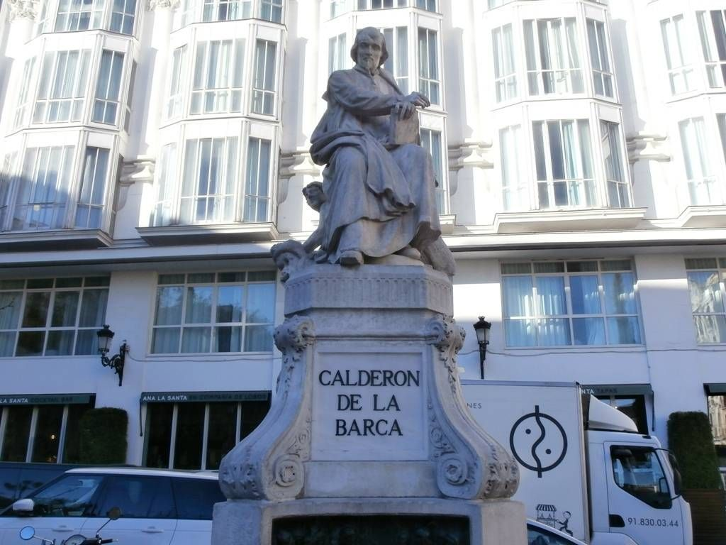 Estatua de Calderón de la Barca
