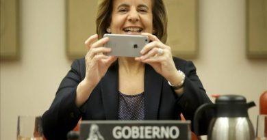 Fátima Báñez, ministra de Empleo, quien en el Congreso de los Diputados ha anunciado que buscará un pacto para que, con carácter general, la jornada laboral termine a las seis de la tarde