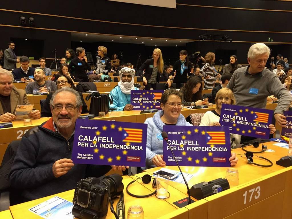 Una imatge que resumeix l'impacte internacional de la tertulieta de Puigdemont a Brussel·les