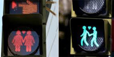 La localidad de San Fernando en Cádiz muy cerquita de Kichi ha instalado semáforos con parejas homosexuales