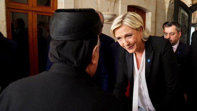 Le Pen se niega a llevar velo para reunirse con el gran mufti de Líbano