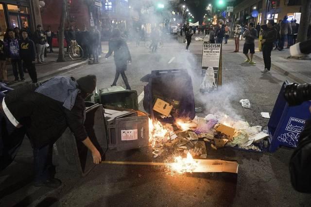 Trump amenaza con reducir fondos a universidad de Berkeley tras protestas