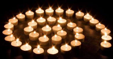 las-pocas-luces-de-los-iluminados-1024x819