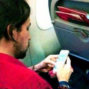 Pablo Iglesias viaja en business