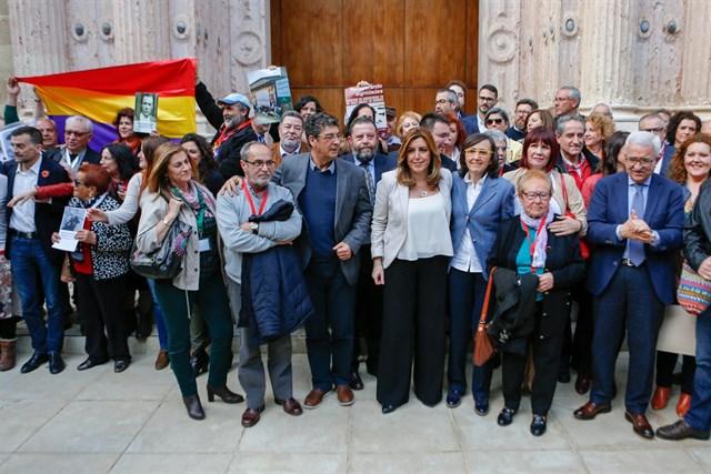 """Susana Díaz: Andalucía """"da un paso más"""" para dignificar a las víctimas del franquismo con la Ley de Memoria. EUROPA PRESS.EDUARDO BRIONES"""