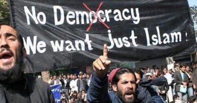 Millones de musulmanes se concentran en capitales europeas para defender las libertades que les ofrecemos y rechazar los atentados