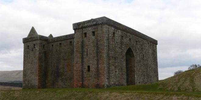 """Se sabe que uno de los castillos que suele guardar es el de """"Hermitage"""""""