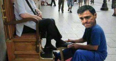 El PSOE de Sánchez le limpia los zapatos al Coletas