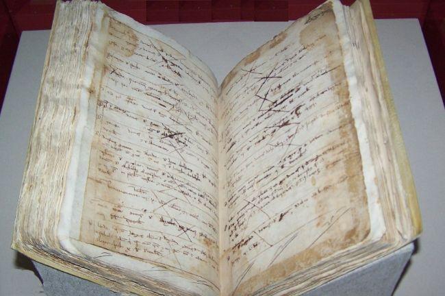 El archivero catalán que manipuló los documentos de la Edad Media