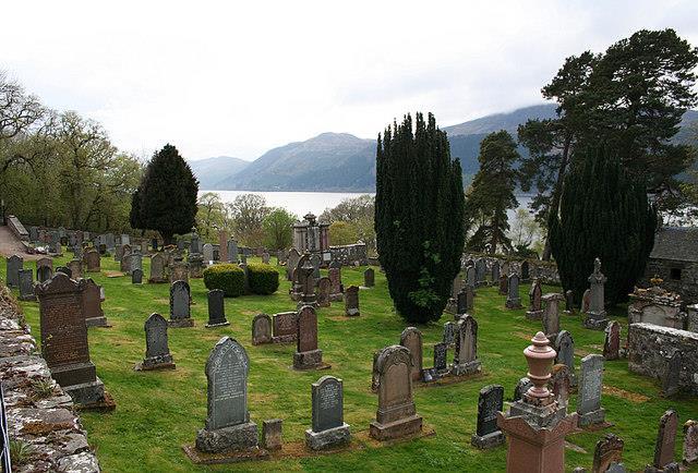 Cementeri unto a la Boleskine House
