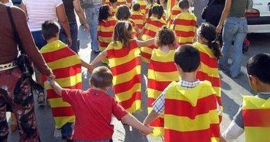 robada catalanista de la radical Escola Valenciana