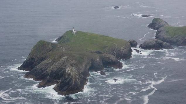La mayor de las islas Flannan, Eilean Mor (isla grande en lengua gaélica)