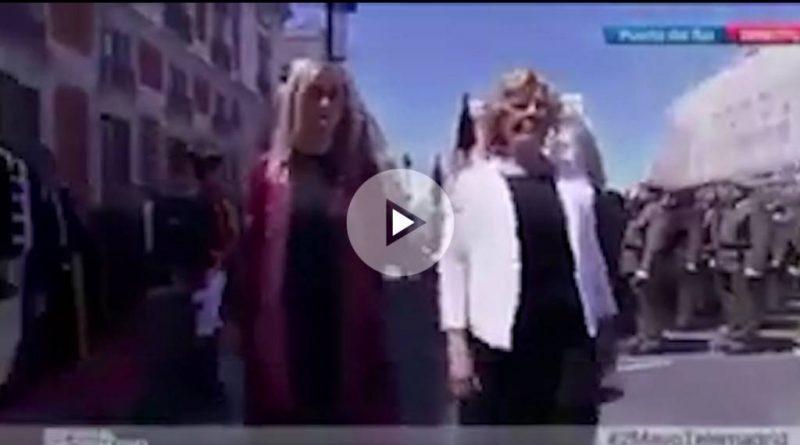 Manuela Carmena evitó rendir honores a la bandera española en los actos del Dos de Mayo
