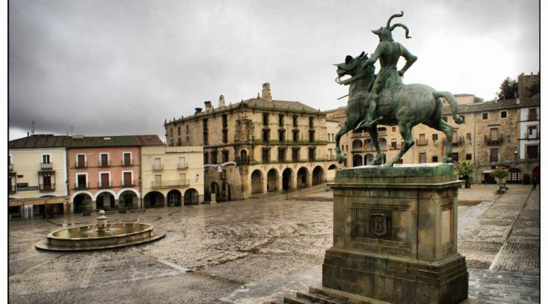 plaza-mayor-de-trujillo