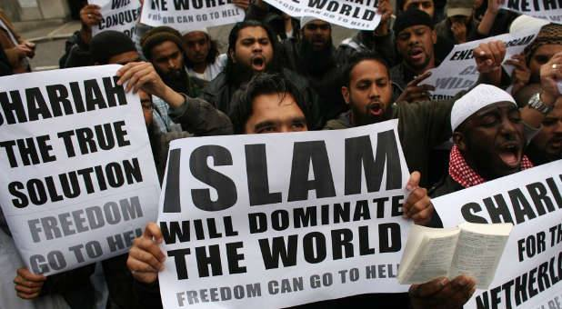 Ciudadanos británicos desean implantar la sharia como ley del estado. Es cuestión de tiempo y de cobardía.