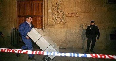 Se produce la primera retirada de legajos de Salamanca. La Audiencia Nacional levantó días antes una prohibición cautelar contra el envío y el proceso se puso en marcha definitivamente.