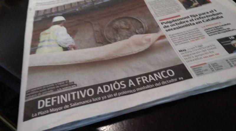 el medallón de Franco de la plaza mayor