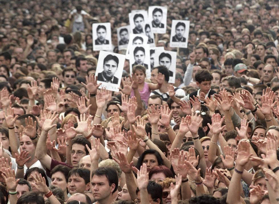 Más de medio millón de personas asistieron a la manifestación en protesta por el asesinato de Miguel Angel Blanco