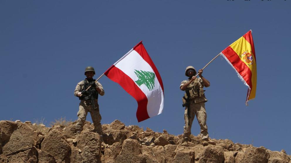 El Ejército libanés ondea una bandera española tras quitar territorios al Estado Islámico