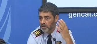 Periodistas piden al mayor de los Mossos que repita la rueda de prensa en castellano