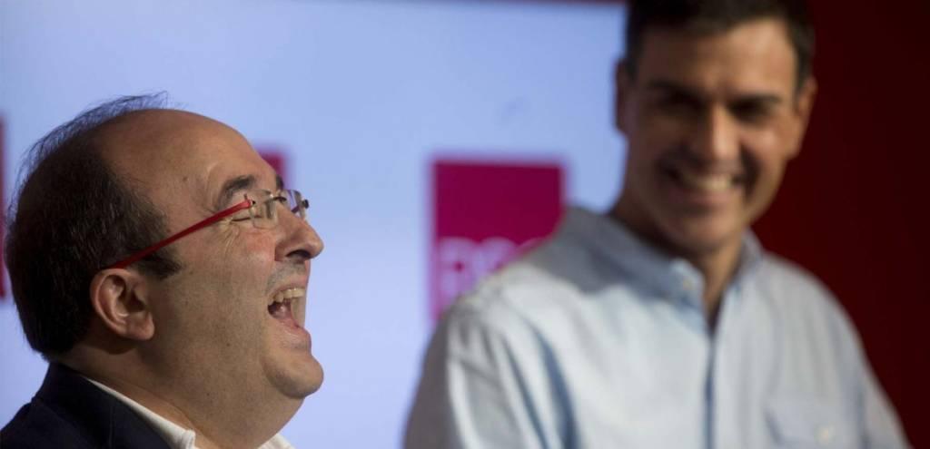De Granada a Barcelona . Sánchez quiere dar a Cataluña más derechos que a otras regiones