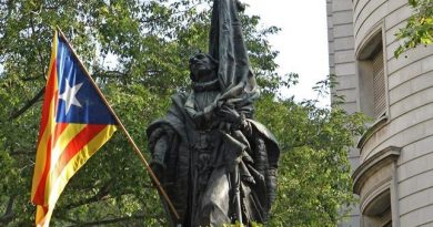 Los descendientes de Rafael de Casanova celebran una diada no independentista