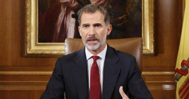 España es monárquica, rotundamente monárquica. Como católica