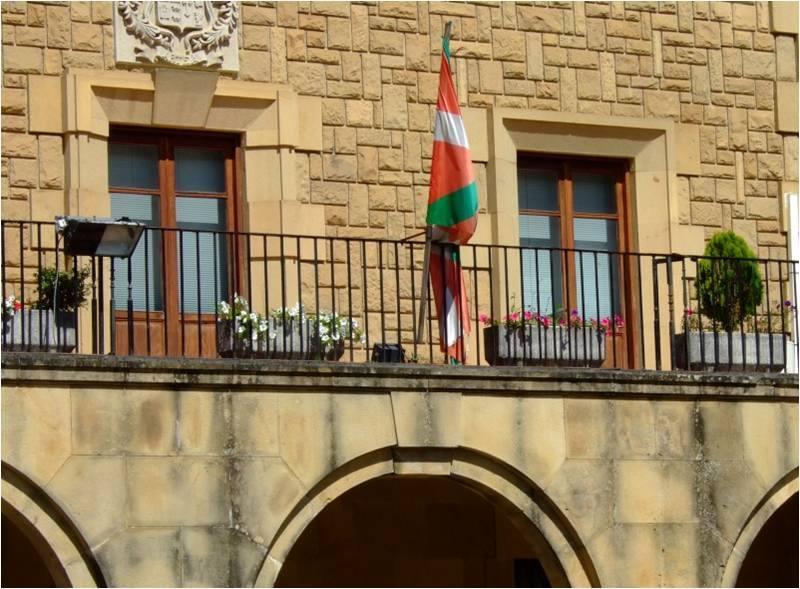 El incumplimiento de la ley de banderas es sistemático e impune en Vizcaya