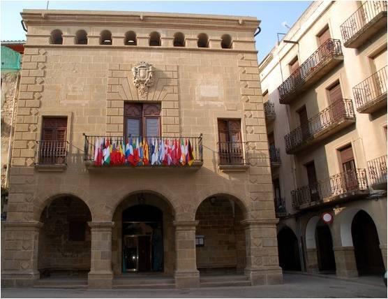 El municipio de Agramunt protesta ante la ley de banderas española
