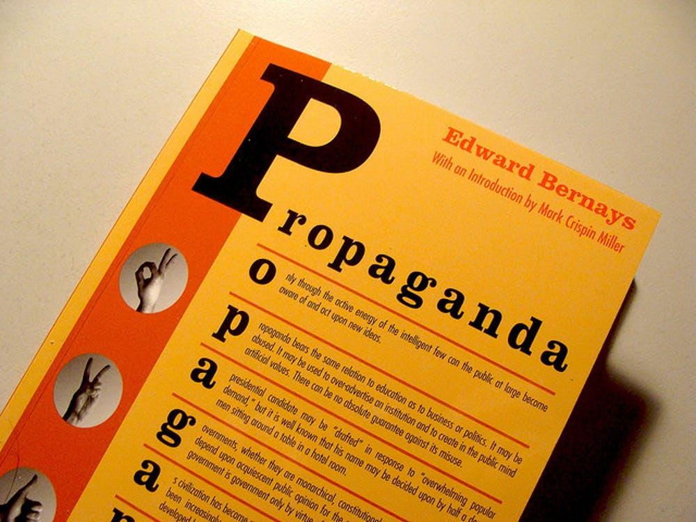 En su libro de 1928 titulado precisamente Propaganda, resumía su maestría en el arte de conseguir que las personas se comportaran de manera irracional