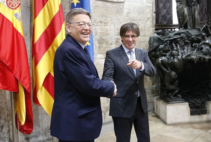 España y la identidad española les importa un huevo, a estos y a los otros.
