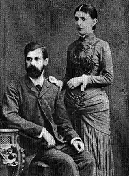 Sigmund Freud y su esposa, Martha Bernays, fotografiados en su casa de Hamburgo