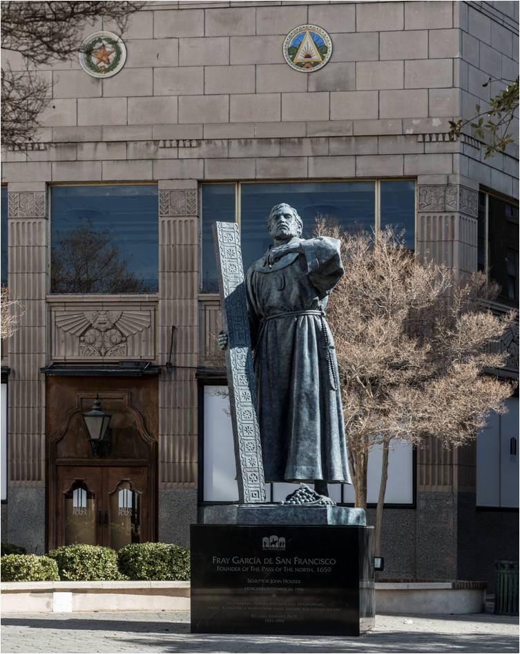 Fray García de San Francisco obre del excelso escultor John Houser.