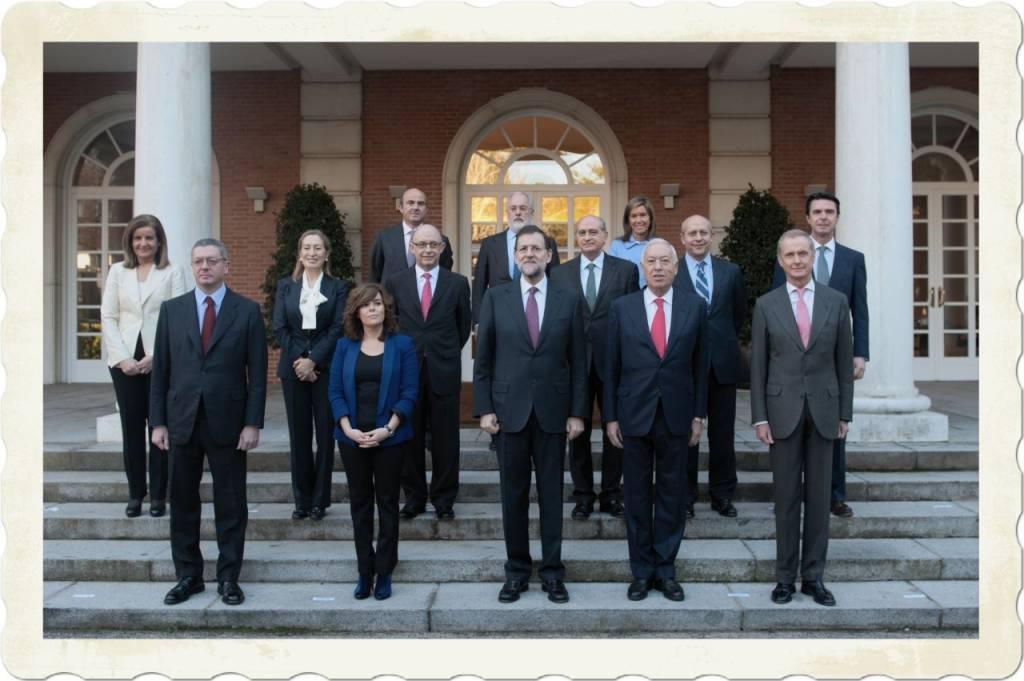 Rajoy posa ante los medios de comunicación en el exterior del Palacio de...