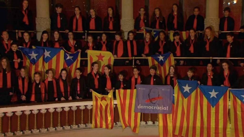 Tendrá razón el ministro en que nadie adoctrina a los niños en Cataluña...
