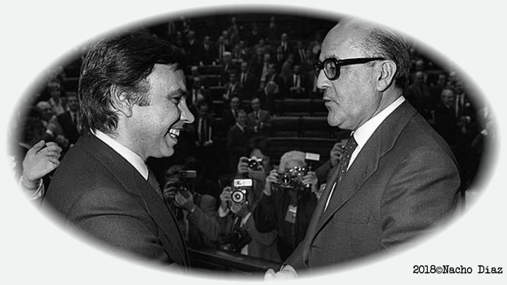 Felipe González Saludando a Calvo Sotelo