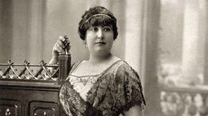Carmen de Burgos hacia 1913.