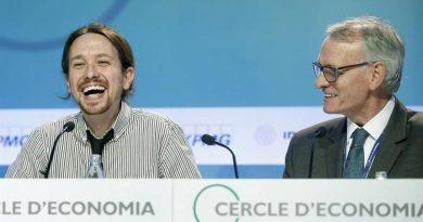 Iglesias se viste de socialdemócrata para seducir a los empresarios