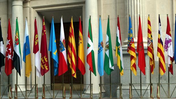 Las banderas de las autonomías de España