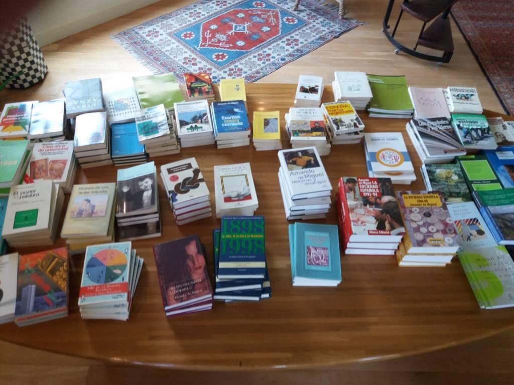 Los libros que me demanden los dedicaré a la persona que se me indique